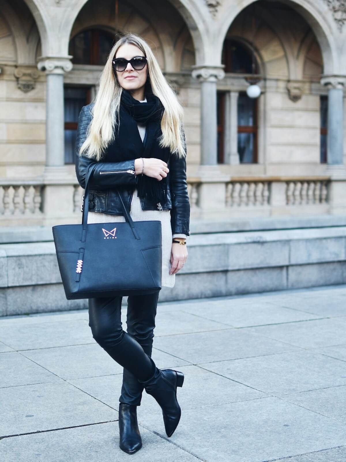 Handbag Noire fashion
